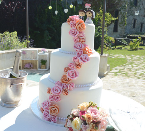 Fabrizio-e-Giulia--wedding-cake---Matrimonio-Youco-wedding-planning-Perugia_Assisi