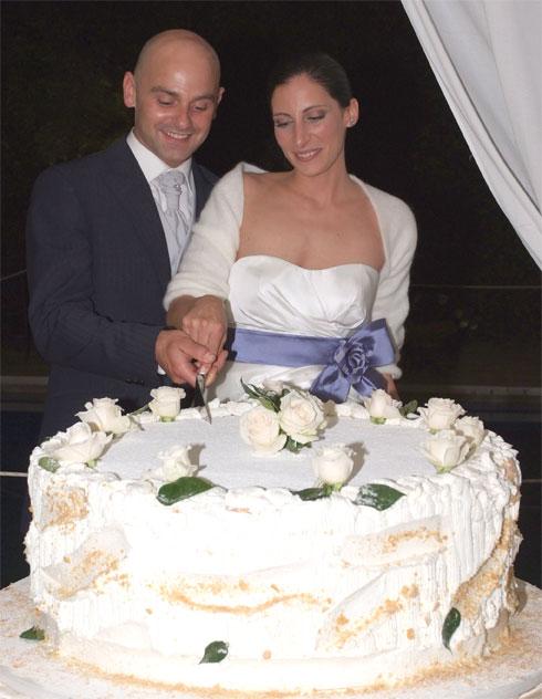 Paolo&Sara_Taglio-torta-nuziale_Youco-wedding-Palnning-Perugia