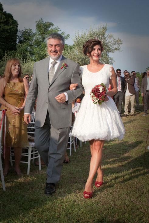 Sciuscia-e-Barbara_Sposa-abito-corto-vintage-Porano-Umbria-youco-wedding-planning-perugia